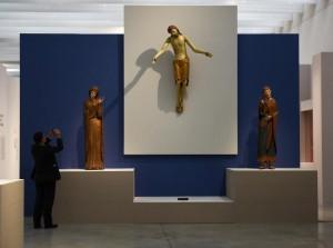 le-christ-crucifie-dans-l-exposition-d-or-et-d-ivoire-paris-_2098293